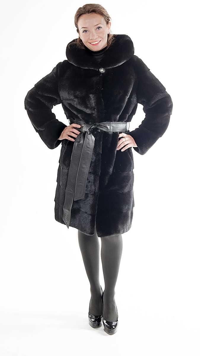 Арт. 394. Пальто из американской норки Black Glama, с капюшоном, поперечное расположение шкурок, длина 100 см. 196 000 руб.