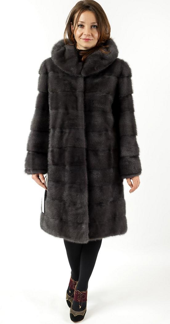 Арт. 555. Пальто из скандинавской норки, с капюшоном. Цена 125 000 руб.