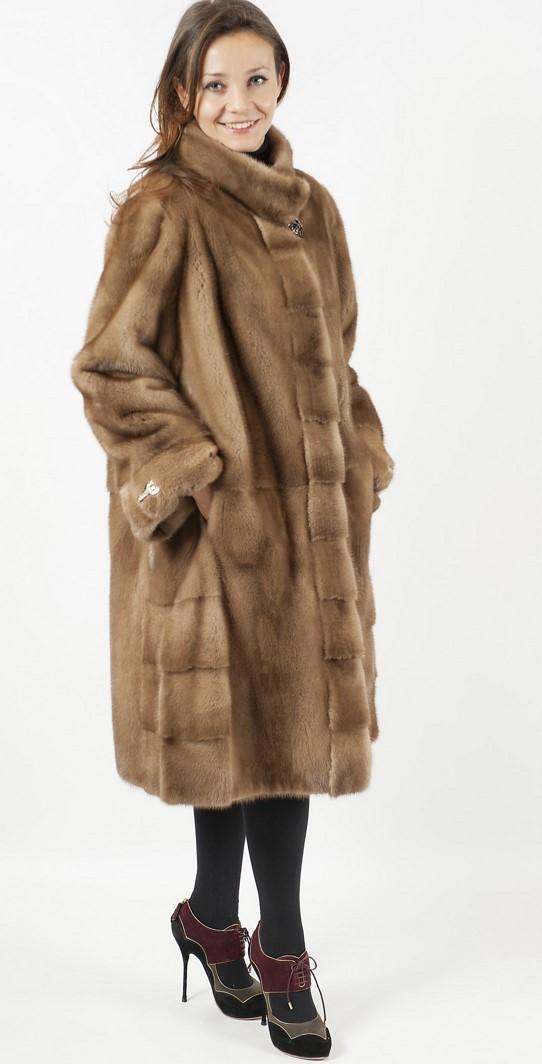 Арт.579. Пальто из скандинавской норки пастельного цвета. Длина 1м. Цена 168 000.